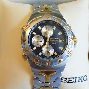 Seiko Accessories - 2002 Seiko 7T32-6M49 Chronograph 100M WR Watch
